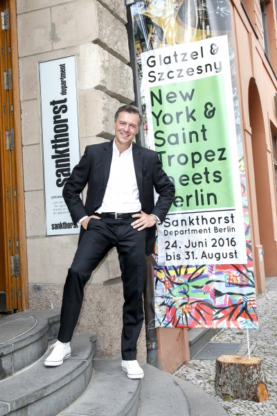BERLIN, GERMANY - JUNE 22: Photographic artist Geoerg Glatzel attends the 'Glatzel & Szczesny - New York & Saint Tropez meets Berlin' Exhibition Preview at Sankthorst Department Art Gallery on June 22, 2016 in Berlin, Germany. (Photo by Isa Foltin/Getty Images for Ajoure)