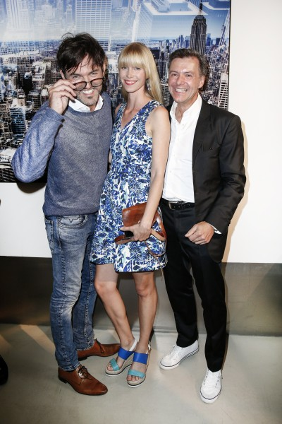 BERLIN, GERMANY - JUNE 22: Opera singer Tobey Wilson with his girlfriend Sabrina Gehrmann and photographic artist Georg Glatzel attend the 'Glatzel & Szczesny - New York & Saint Tropez meets Berlin' Exhibition Preview at Sankthorst Department Art Gallery on June 22, 2016 in Berlin, Germany. (Photo by Isa Foltin/Getty Images for Ajoure)