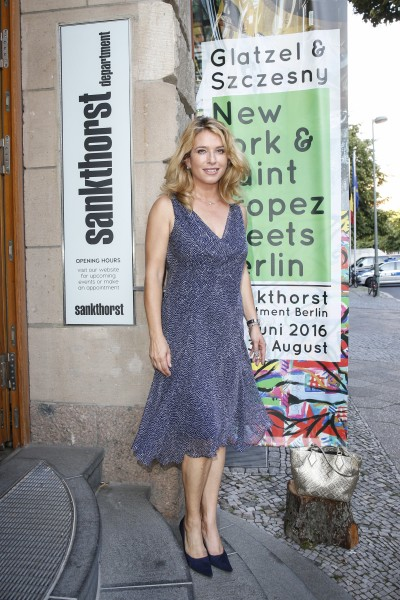 BERLIN, GERMANY - JUNE 22: German actress Cosima von Borsody attend the 'Glatzel & Szczesny - New York & Saint Tropez meets Berlin' Exhibition Preview at Sankthorst Department Art Gallery on June 22, 2016 in Berlin, Germany. (Photo by Isa Foltin/Getty Images for Ajoure)