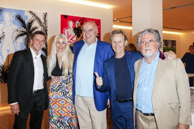 BERLIN, GERMANY - JUNE 22: Photographic artist Georg Glatzel, german actress Simone Bechtel, Ahmet Pekkip, businessman Winfried Rothermel and artist Stefan Szczesny attend the 'Glatzel & Szczesny - New York & Saint Tropez meets Berlin' Exhibition Preview at Sankthorst Department Art Gallery on June 22, 2016 in Berlin, Germany. (Photo by Isa Foltin/Getty Images for Ajoure)
